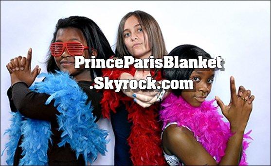 Foto Personal | Nuevas fotos personales de Paris y sus Amigas