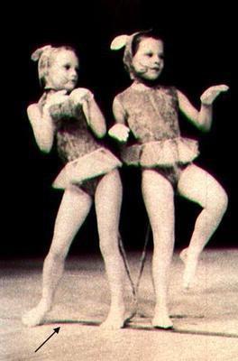 VANESSA PETITE FILLE AIME LA DANCE