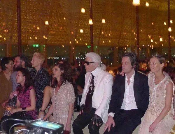 VANESSA PARADIS au défilé Chanel