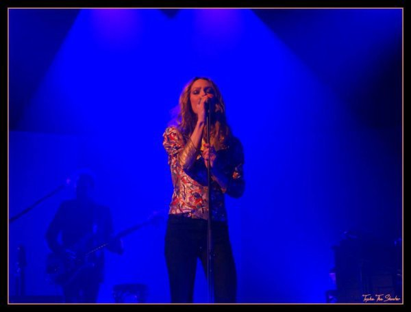 VANESSA PARADIS CONCERT LOVE SONG