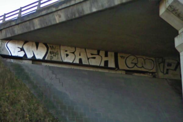 EN BASH EN IP