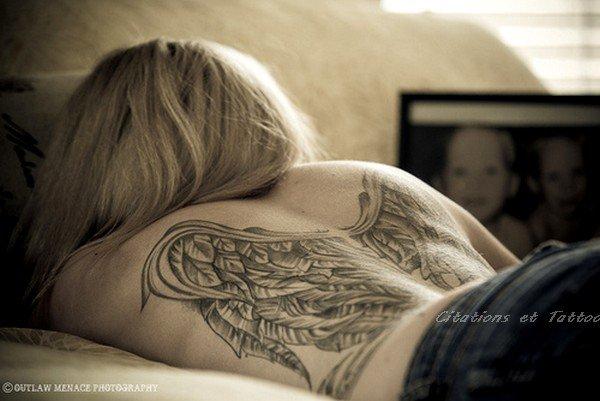 « L'amour, c'est l'aile que Dieu a donnée à l'homme pour monter jusqu'à lui. » _ Michel-Ange