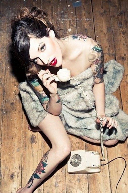 """""""La servitude. C'est ça le téléphone. Il sonne : tu accours. Ou bien tu n'accours pas, mais tu te ronges les sangs de regrets ou de curiosité insatisfaite."""" [Gabrielle Roy]"""