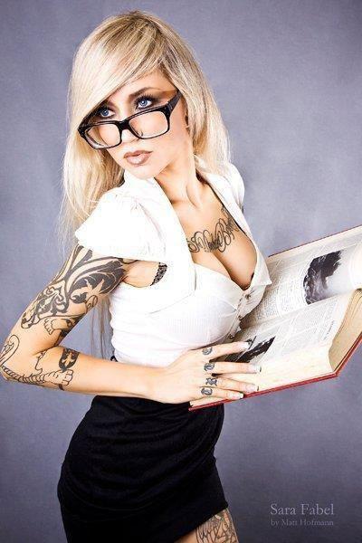 """"""" Une lecture amusante est aussi utile à la santé que lexercice du corps."""" [ Emmanuel Kant ]"""