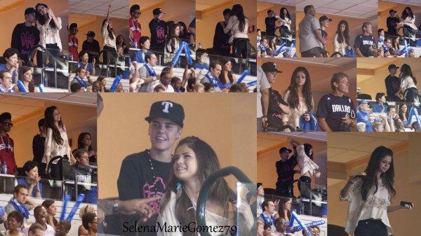 Hier, Selena a été vue au match de basket opposant les Dallas Mavericks contre les Miami Heat. Elle était accompagnée de sa famille et de Justin Bieber.