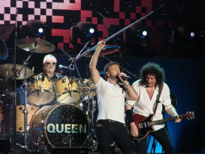 "Queen + Paul Rodgers : "" Rock The Cosmos Tour """