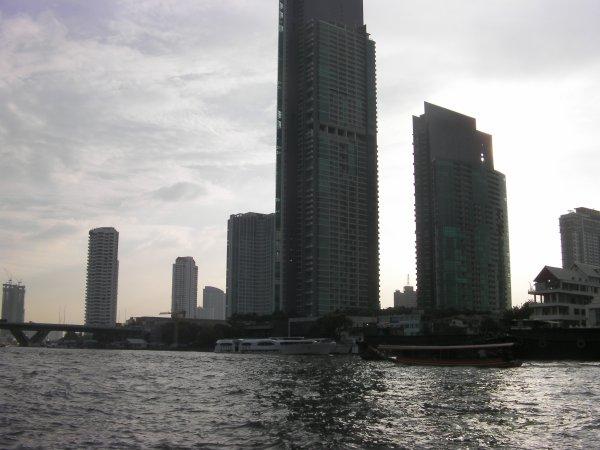 j irai marcher dans les rues de BANGKOK