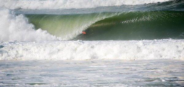 LA CLASSE!!!!et que du bonheur pour un surfeur...MIKY PICON la famille!!!