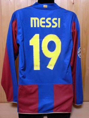 ee20f1397 07 08 FC Barcelona  19 Lionel Messi Match-worn home shirt (2) UEFA  Champions League