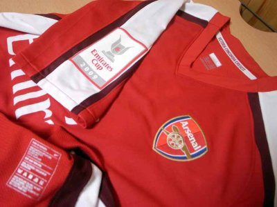 557098d841a 09 10 Arsenal  23 Andrey Arshavin Match-worn home shirt (3) Emirates Cup  2009