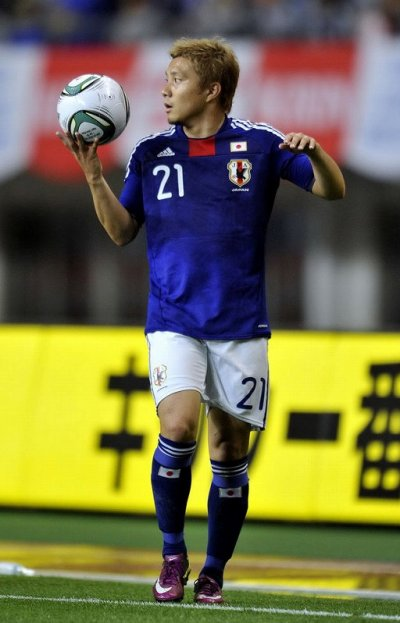 Japan #21 Yasuda Match-worn home shirt (4) KIRIN CHALLENGE CUP 2011