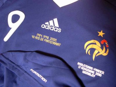 France #9 Hoarau Match-issued home shirt (3) International friendly match
