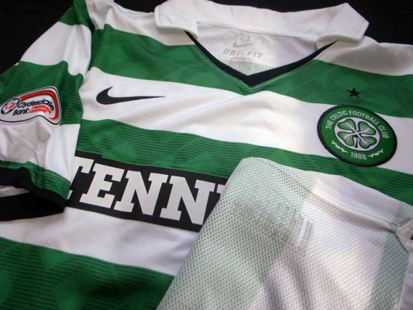 10/11 Celtic #22 Loovens Match-worn home shirt (3) Scottish Premier League