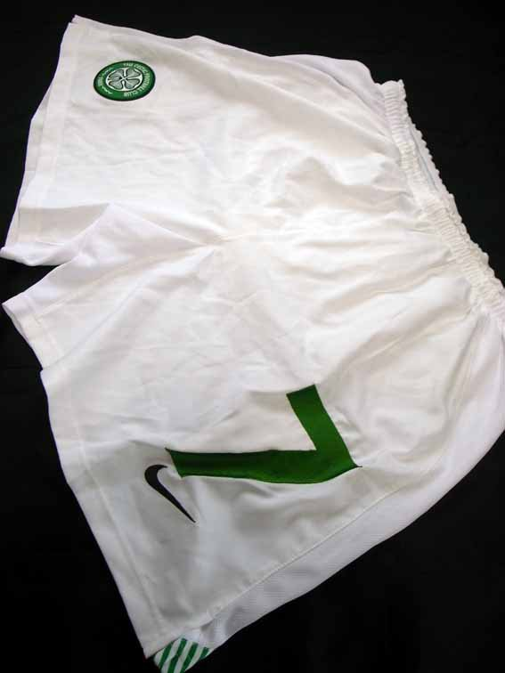 2006 Celtic #7 Match-issued home shorts (1) Scottish CIS Insurance Cup