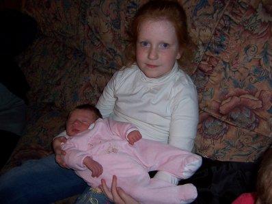 ma soeur avc ma tite couz 3 semaine apres sa naissance