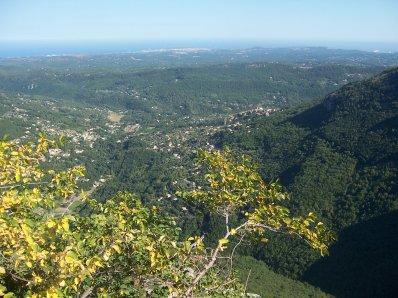 visite d une tite ville aux sommet d une montagne mé jme rapelle plus du nom
