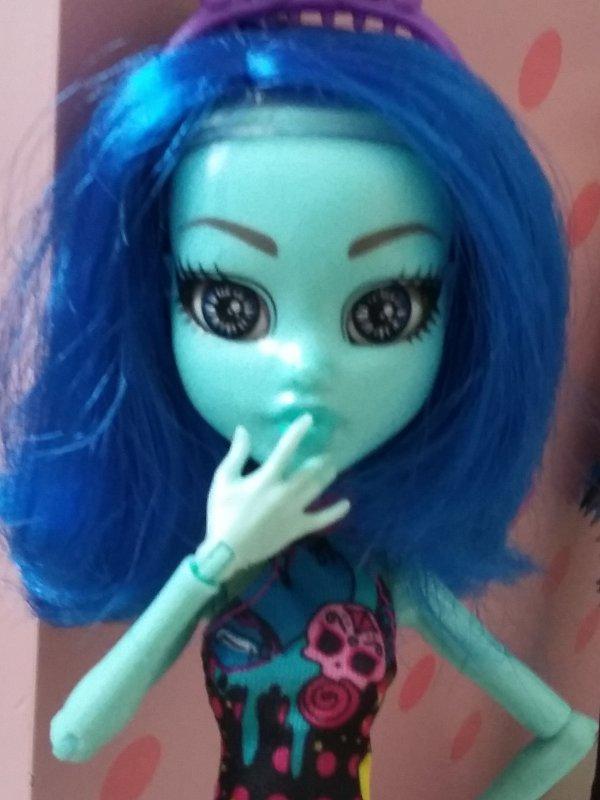 Présentation no.3 : Vicky Blue