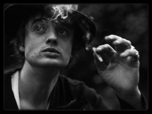 Pete Doherty travaille sur un album des Babyshambles / Les Enfoirés 2013 : les photos des coulisses à Bercy1995 / LIVE Renégats à L'Olympia (1995 en tournée à partir de Mars) / Carla Bruni : une tournée prévue à l'automne prochain / TAL ET MIKA REJOIGNENT LA TROUPE DES ENFOIRÉS 2013 / Le fils d'Adele s'appelle-t-il Angelo ?