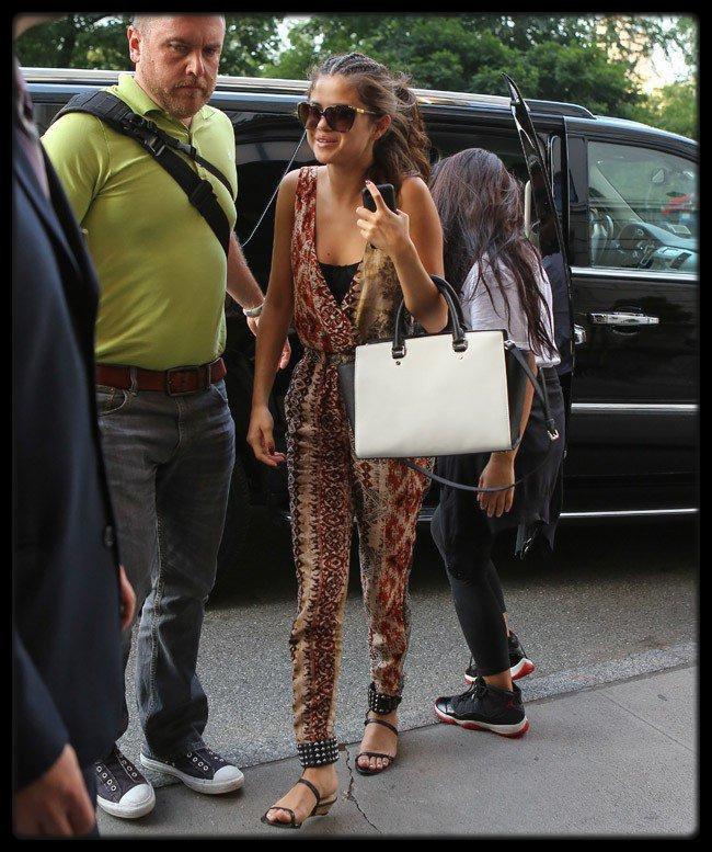 KATY PERRY  LA PUB DE SON PARFUM KILLER QUEEN / Demi Lovato : un 21 ème anniversaire sur fond de nouveau scandale ? / Selena Gomez, Lady Gaga à New York le 20 Août 2013 / Kanye West : il a dévoilé la toute première photo de North sur le plateau du Kris Jenner Show !