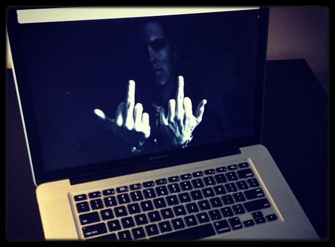FAT JOE – The Darkside 3 (Mixtape) / MTV VMA 2013 ( Videos) / Eminem : MMLP2, nouvel album le 5 novembre (teaser) / LADY GAGA ANNONCE QUE LE CLIP DE TELEPHONE VA AVOIR UNE SUITE / HARLES AZNAVOUR : SON CONCERT FIASCO PROVOQUE DES TENSIONS POLITIQUES À NARBONNE / EMINEM DÉBARQUE SUR INSTAGRAM AVEC UN CLICHÉ POLÉMIQUE ! / CHRIS BROWN SE DIT VICTIME DE RACISME