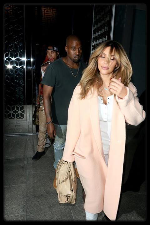 Rihanna ses vacances en Thaïlande (Photos) / Tyga, Kany West & Kim Kardashian à la sortie d'un dîner le 20 septembre 2013 à Los Angeles (Photo)