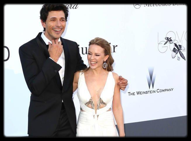 Kylie Minogue se sépare de son boyfriend Andres Velencoso / Madonna bannie d'un cinéma pour avoir envoyé des SMS pendant une séance