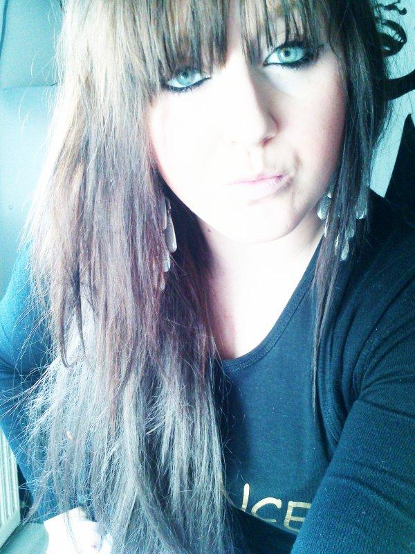 T'aimer à était la plus belle chose qui me soit arrivé. Mais tu sais quoi ? C'est aussi la pire .