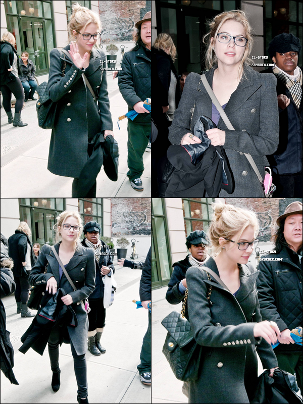 . 11/03/11 Ashley Benson qui quitte son Hotel de New York Demain, elle sera a Londre, Heyy les filles et la France c'est pour quand ? .