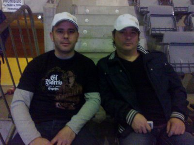 Mi socio de trabajo y yo en el concierto