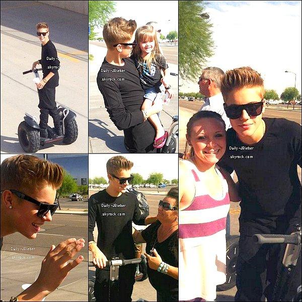 27/09/2012 : Jay B se baladait à  Glendale, en Arizona, où il en a profité pour poser avec des fans.