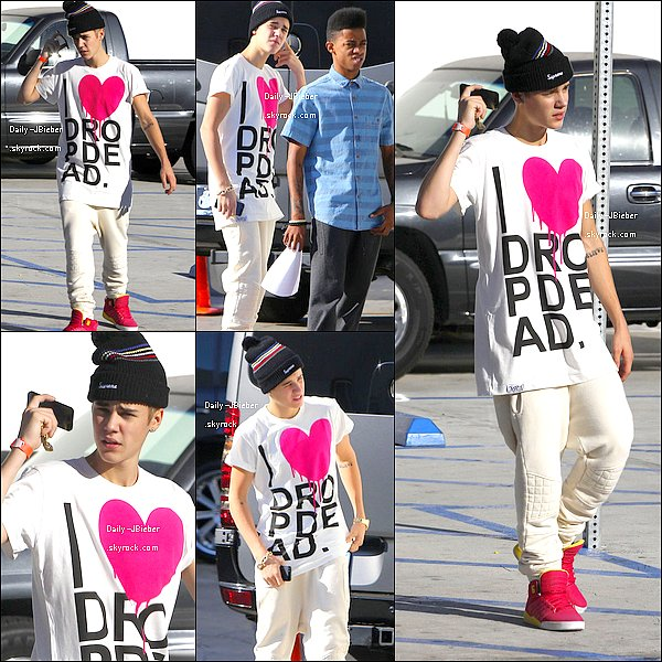 04/10/2012 :  Justin a été repéré au Sky High Sports trampoline park, à Woodland Hills. Bof !