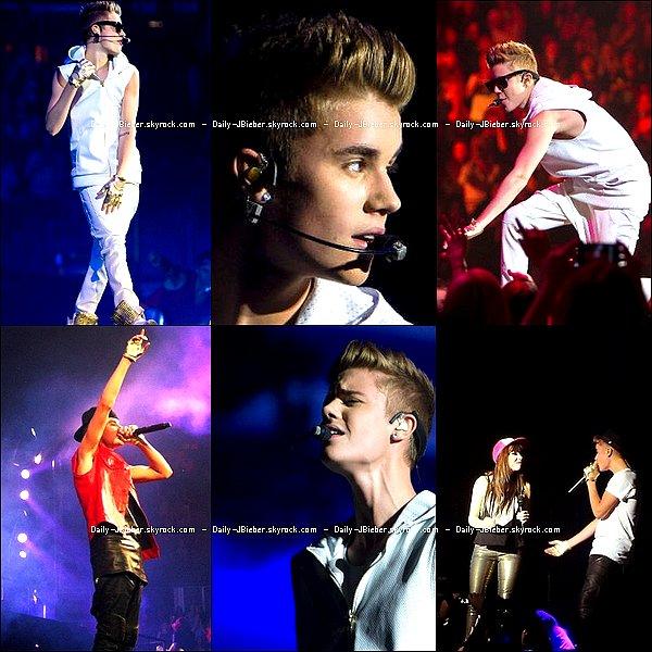 Justin Bieber posant pour une publicité de la marque Adidas. Qu'en penses-tu ?