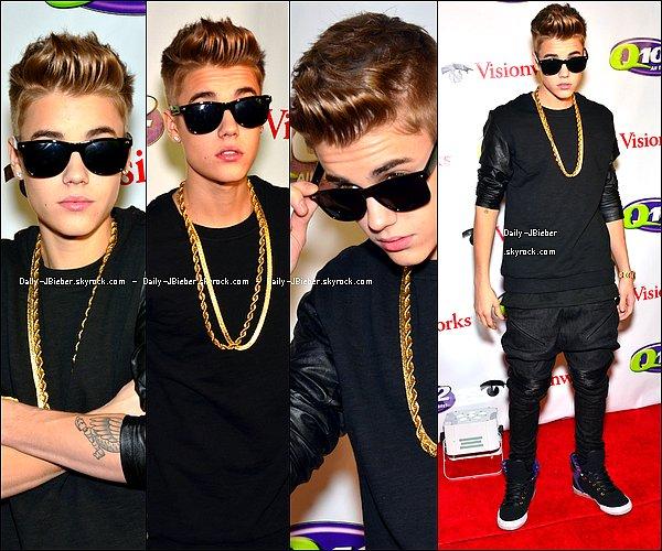 05/12/2012 :  Justin Bieber était présent au Q102's Jingle Ball 2012 à Los Angeles. Petit top.