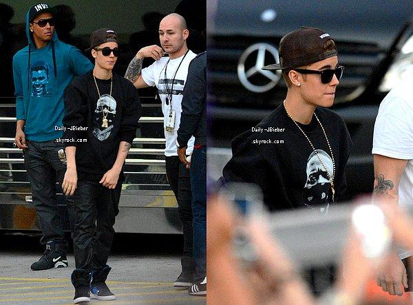 26/01/2013 :  Justin Bieber a été aperçu arrivant à Miami en Floride, pour ses 2 prochains concerts.