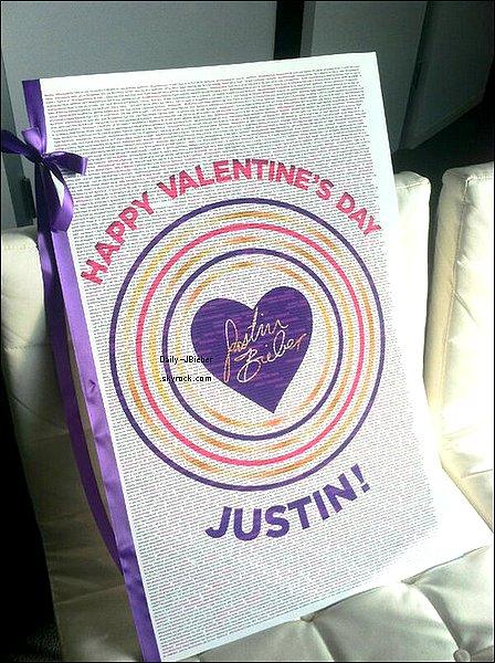 15/02/2013 :  Justin Bieber ne sortant pas étant de congé, voici quelques photos personnelles d'aujourd'hui et d'hier avec ses proches. (Notamment avec Jaxon, Jazzy et son père)
