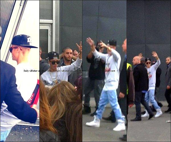 17/02/2013 :  Justin Bieber a repris sa tournée mondiale en Europe. Il s'est posé à Dublin, en Irlande.