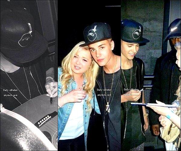 25/03/2013 :  Justin Bieber se faisait vérifier son passeport à  Lodz en Pologne, pour partir en Allemagne.