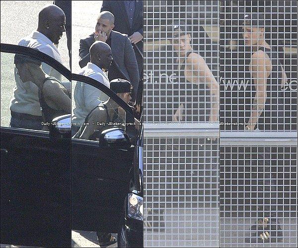 06/04/2013 :  Justin Bieber à la rencontre de ses fans allemands, à Köln.