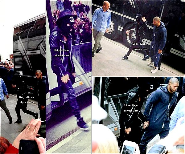 22/04/2013 :   JB, de mauvaise humeur, pris en photo par des fans arrivant à son hôtel en Suède.