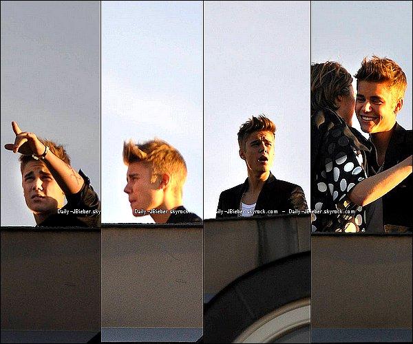 24/04/2013 :   Justin Bieber  est sorti en boite, au Rose Night Club en Suède.