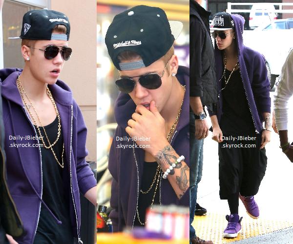 Jeudi 16 Mai 2013 :   Le chanteur Justin Bieber a été aperçu dans un studio d'enregistrement à Los Angeles, à savoir le même que celui de M. Cyrus.