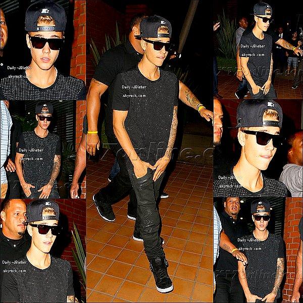 28/08/2013 :  Justin Bieber a été aperçu allant dinner au restaurant Toscana dans Los Angeles. TOP !