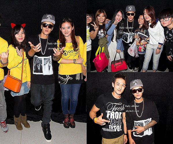 02/10/2013: Justin Bieber donnait un Meet & Greet à Dalian, Chine.TOP ! Aucune autre photo, ni du concert.