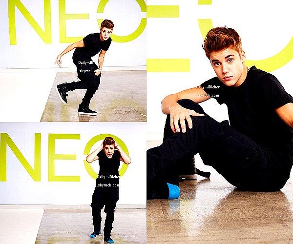 Justin suit donc son rituel qui est de poster 1 nouvelle chanson chaque lundi. Ecoutez alors 3 nouveaux titres.
