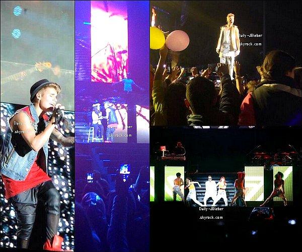 18/11:  Justin a reçu le Disque Triple de Platine pour 180 000 ventes & plus de 300 000 pistes pour Believe.