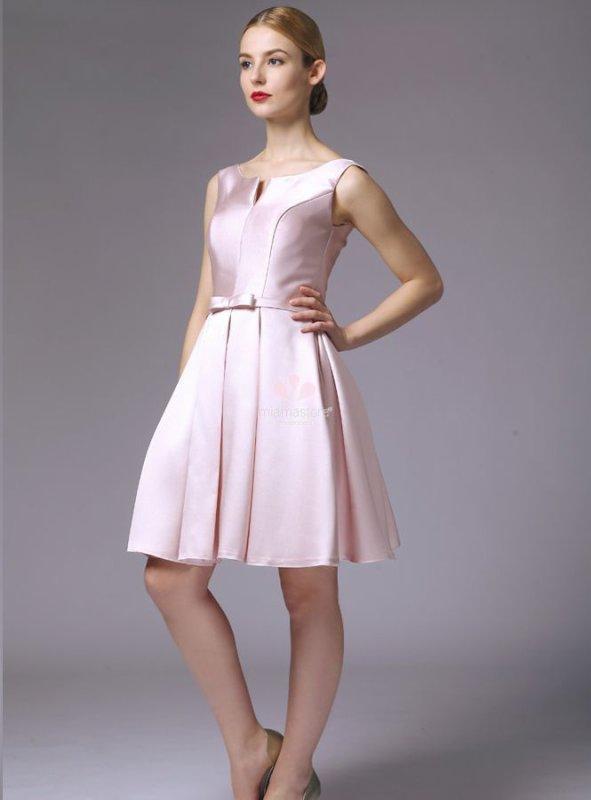 petite robe de cérémonie pour penser avec légéretée au printemps...