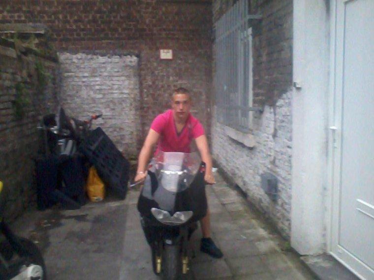 Moi sur une de mes motos :)