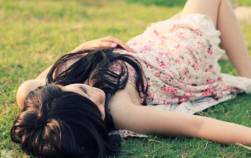 ○ 9 Décembre 2011 « Tu m'as sauvé par ton amour, par ton sourire. Et ta simple présence me sauve encore chaque jour. » G. Musso  .