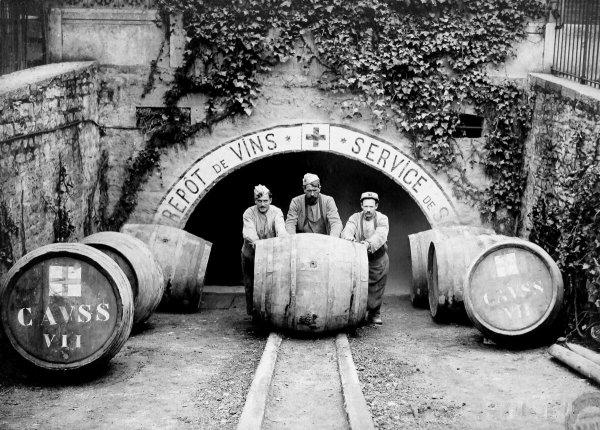 Briquet artisanal bouteille-tonnelet..
