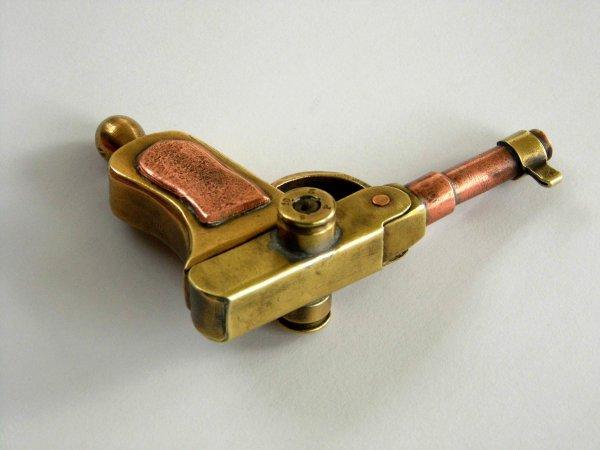 Briquet pistolet Luger..